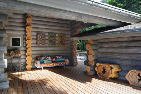 terrasse salon - Wooden Cottage par Elena Sherbakova près de Moscou, Russie.jpg