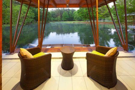terrasse salon design - Pond-House par Holly-Smith-&-Architectes - Louisiane, USA