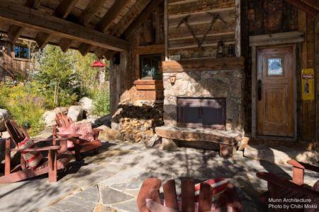 terrasse salon design & cheminée - Camp 88 par Munn Architecture - Colorado, USA