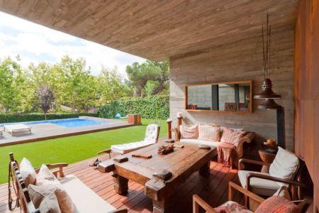 terrasse salon design - villa-madrid par Modern Homes - Madrid, Espagne