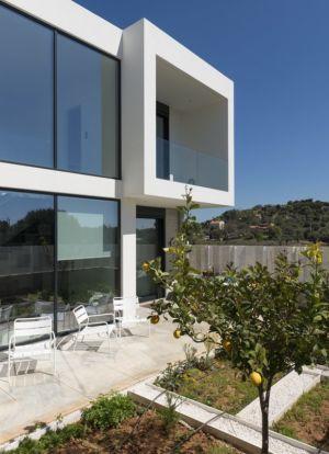 terrasse sud - Paradox house par Klab architecture - Athènes, Grèce