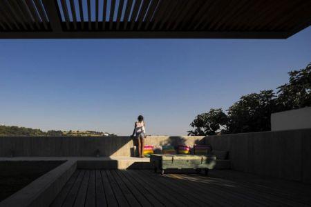 terrasse toit en bois - house-caxias par António Costa Lima Arquitectos - Caxias, Portugal