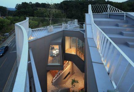 toiture terrasse étage - Kyeong Dok Jai par Uroje Khm Architects - Corée du Sud