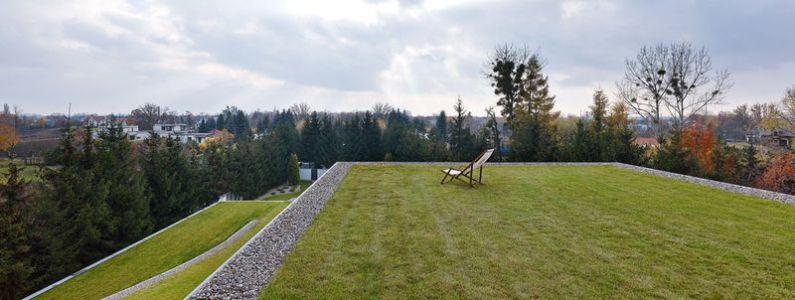 terrasse toiture gazonnée - Autofamily House - Robert Konieczny-KWK Promes - Pologne