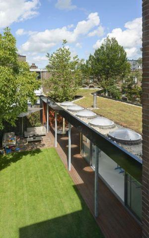 toiture terrasse végétalisée - Villa-Juliana par Borren Staalenhoef Architects - Leeuwarden, Pays-Bas