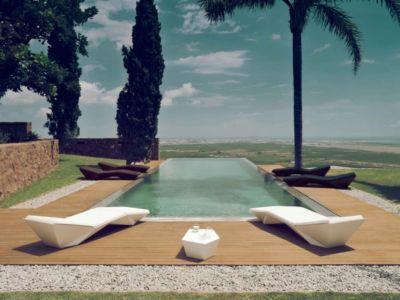 terrasse et piscine - Paz & Comedias House par Ramon Esteve - Sagunt, Espagne