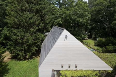 toiture en bois - Sayres House and Hanging Gardens par Maziar Behrooz Architecture - East Hampton, Usa
