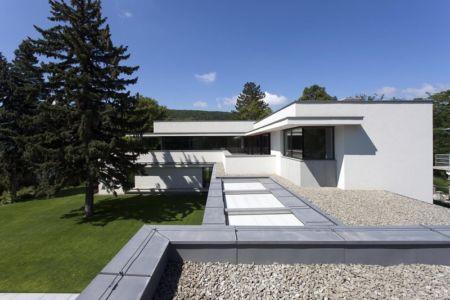 toiture plate - Reviving Mies par Architéma - Buda Hills, Hongrie