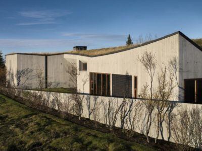 toiture végétalisée - Bakkaflöt 14 par Studio Granda - Islande