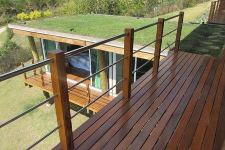 toiture végétalisée - Paraglider House par Cabana Arquitetos - São Bento do Sapucaí, Brésil