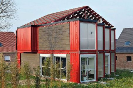 two-storey-container-house par Patrick Partouche architecte - France