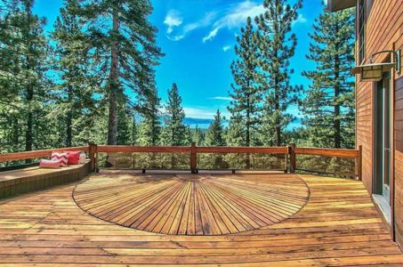vaste balcon terrasse - lake-view-cabin - Nevada, USA