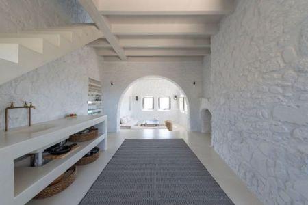 vaste couloir - Sterna Nisyros par  Giorgos Tsironis - Nisyros en Grèce