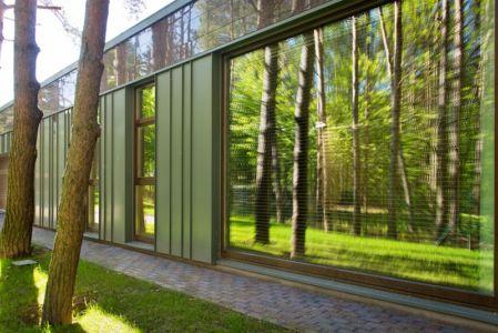 vitrage - Modern Family House par 4PLIUS Architects - Vilnius, Lituanie