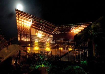 vue extérieure Nuit - Casa Tropical par Camarim - Mundau, Brézil