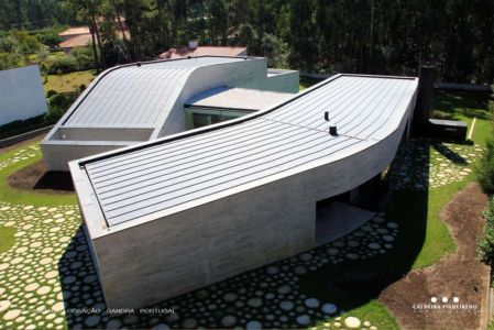 vue aérienne extérieure - Cardio House par Caldeira Figueiredo Arquitectos - Portugal