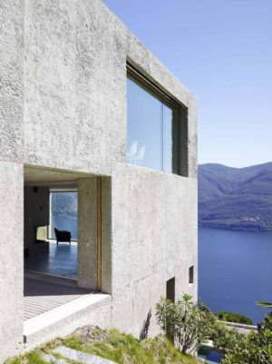 vue côté - House in Brissago par Wespi de Meuron Romeo architects - Brissago, Suisse