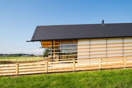 vue côté - Maison bois par BIRO GASPERIC - Velesovo, Slovenia