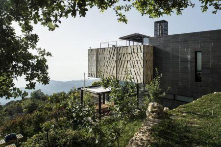 vue côté - Tahan Villa par BLANKPAGE Architects - Kfour, Liban