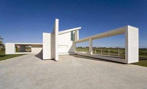 vue côté - Villa T by Architrend Architecture - Ragusa, Sicile, Italie