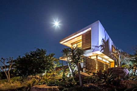 vue côté de nuit - Aloe Ridge House par Metropole Architects - Kwa Zulu Natal, Afrique du Sud