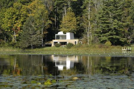vue de l'étang - lake house par Taylor and Miller Architecture and Design - Usa