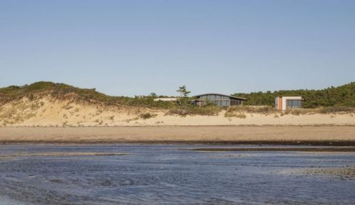 vue de la plage - House of Shifting Sands par Ruhl Walker Architects - Wellfleet, Usa