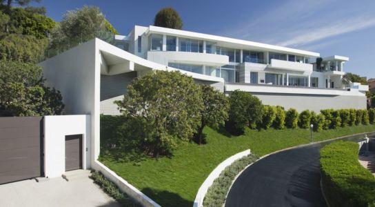 vue de la route - Sarbonne par McClean Design - Los Angeles, Usa