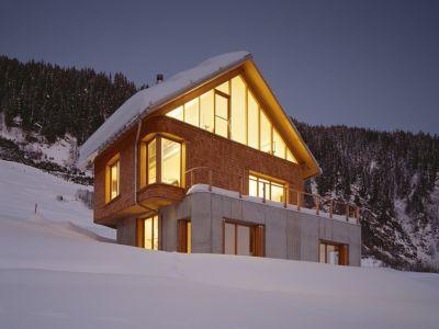 vue de nuit - Panix résidence par Drexler-Guinand-Jauslin architekten, Panex, Suisse