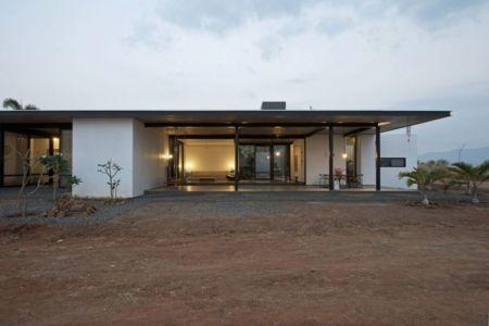 vue d'ensemble - Deolali House par Spam Design Architects - Deolali, Inde