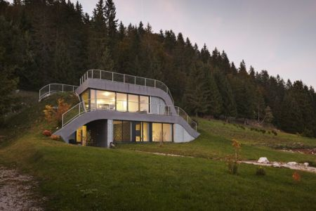 vue d'ensemble - House-Hillside par JDS Architects - France