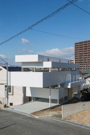 façade entrée - House-Toyonaka par Tato Architects - Toyonaka, Japon