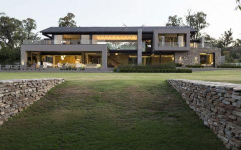 vue d'ensemble - House-in-Blair-Atholl par Nico van der Meulen Architectes - Johannesburg, Afrique du Sud