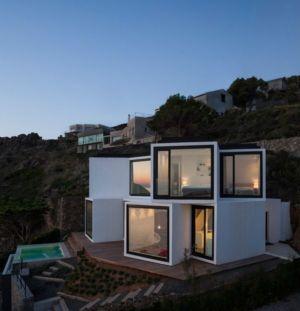 vue d'ensemble illuminée - Sunflower House par Cadaval & Solà-Morales - Gérone, Espagne