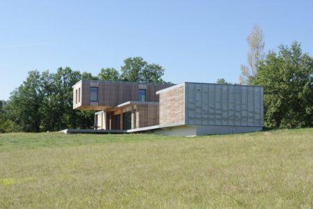 vue d'ensemble côté est - Maison l'Estelle par François Primault architecte - Moirax, France