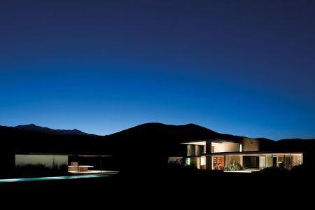 vue d'ensemble de nuit - Kübler House par 57STUDIO - Stgo, Chili
