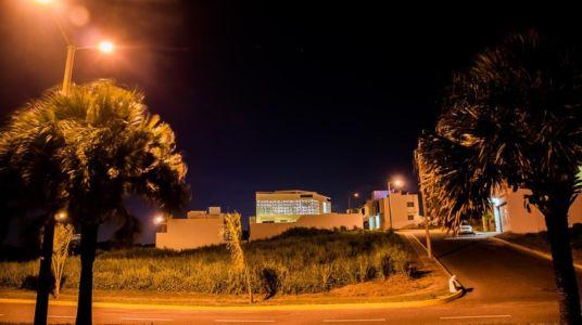 vue d'ensemble de nuit - Nest house par Gerardo Ars Arquitectura - Alvarado, Mexique