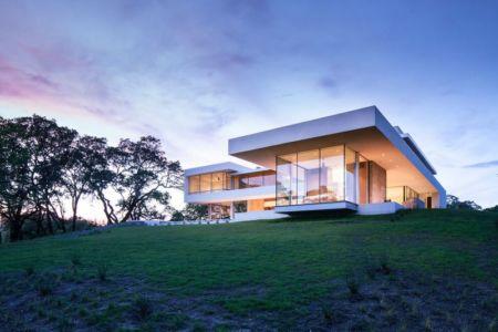 vue d'ensemble illuminée - Vineyards-Residence par Swatt Miers Architects - Californie, USA