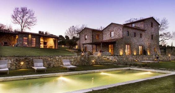 vue d'ensemble illuminée - mediterranean-residence par Elodie Sire - Toscane, Italie