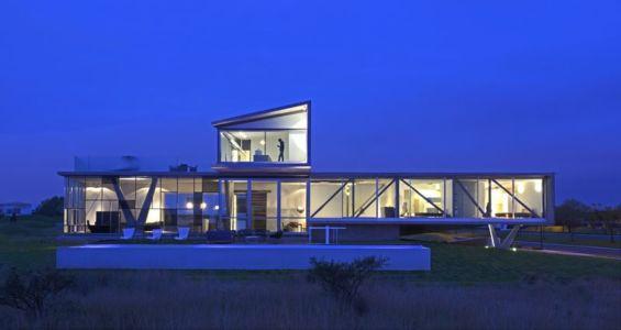 vue d'ensemble nuit - Campanario-2 par Axel Duhart Arquitectos - Santiago-Querétaro, Mexique