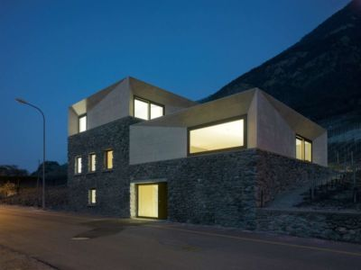 vue d'ensemble nuit - House-transformation par clavienrossier architects - Suisse