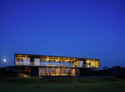 vue d'ensemble nuit - Panorama House par Ajay Sonar - Maharashtra, Inde