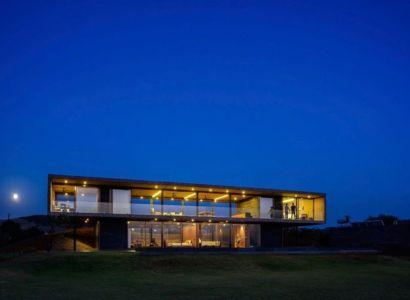 vue d'ensemble nuit - Panorama-House par Ajay Sonar - Nashik, Inde