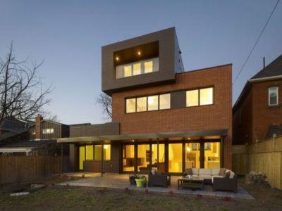 vue d'ensemble nuit - Renovates-Private-Residence par Dpai Architecture - Hamilton, Canada
