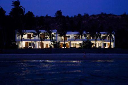 vue d'ensemble nuit - sofka par MM++ Architects - Phan Thiet, Vietnam