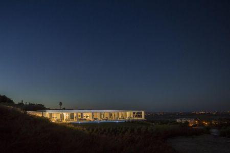 vue d'ensemble nuit - zauia-house par mario martins atelier - Val da Lama, Portugal