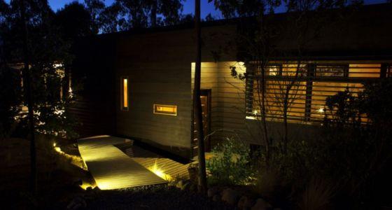vue entrée de nuit - Casa Tunquén par CO2 Arquitectos - Vaparaiso, Chili