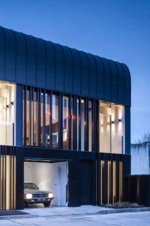 vue entree garage - Percy lane luxury homes par Odos architects - Dublin Irlande.jpg