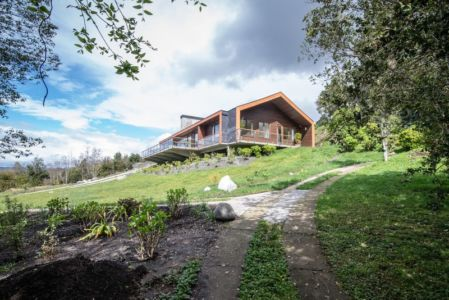 vue extérieure du jardin - ED House par Eduardo Guzmán Rivera + Juan Carlos Muñoz Del Sante - Chili