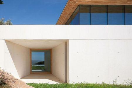 vue extérieure entrée - Alon House par AABE et Partners -France